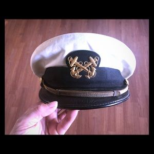 The New Yorker vintage military hat.